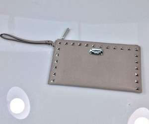 Michael Kors Wristlet in Pearl Grey