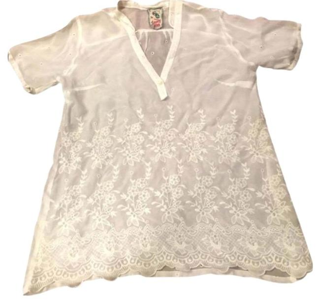 Preload https://item1.tradesy.com/images/johnny-was-tunic-white-16181110-0-1.jpg?width=400&height=650