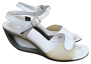 Charles Jourdan Blanc Softy Leather Ankle Strap White Wedges