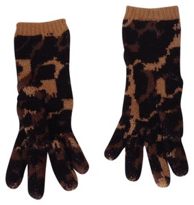 Betsey Johnson Lindsey Leopard Gloves