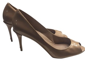Kenneth Cole Nude Pumps