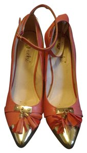 JustFab Salmon pink with gold Pumps