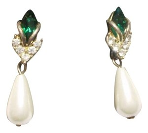 Other Emerald green stone faux pearl & crystals earrings