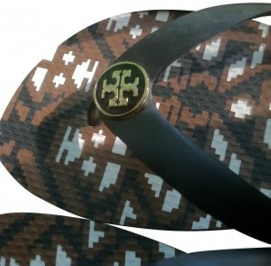 Preload https://item1.tradesy.com/images/tory-burch-brown-sandals-size-us-8-regular-m-b-161865-0-0.jpg?width=440&height=440