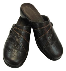 Clarks Very Good Condition Size 8.00 Leather Brown Mules