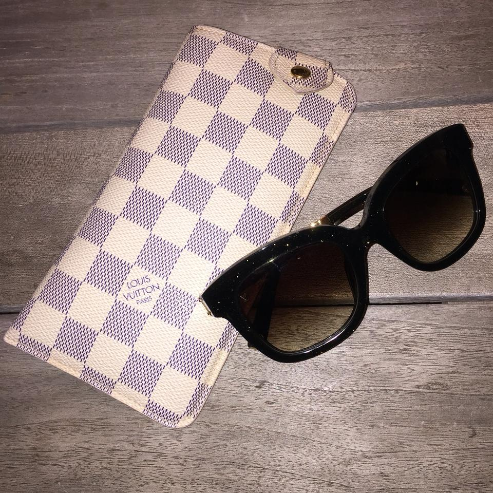 88074ff57d21 Louis Vuitton Sunglasses Case Mm Soft Pouch Snap Lunettes Damier Azur Rare Eyeglasses  Glasses Blue and Off White Canvas Clutch
