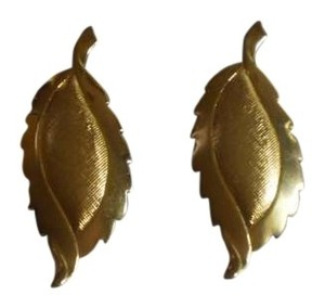Like new leaf earrings