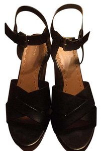 Tahari Wedges