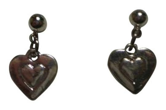 Preload https://img-static.tradesy.com/item/161929/new-silvertone-hearts-earrings-0-0-540-540.jpg