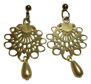 New faux pearls crystals earrings