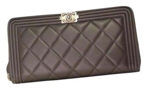 Chanel Black Quilted Lambskin Leather Boy L-Gusset Zip Wallet