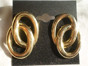 Other goldtone linking earrings