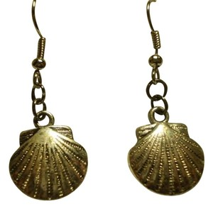 Handmade New silvertone seashells earrings
