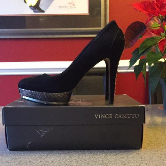 Vince Camuto Black With Silver Detail Pumps
