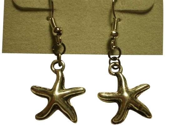Handmade New Silvertone starfish earrings