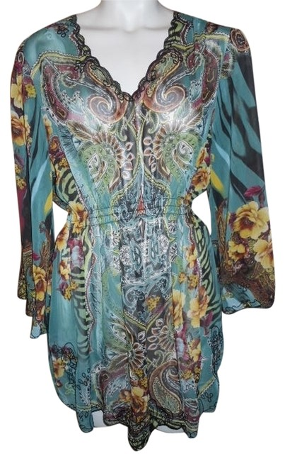 Preload https://item5.tradesy.com/images/sienna-rose-tunic-size-8-m-1619984-0-0.jpg?width=400&height=650