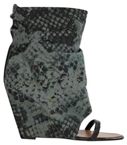 Isabel Marant Black and green Wedges