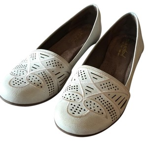 Naturalizer Light Tan/Gray Flats