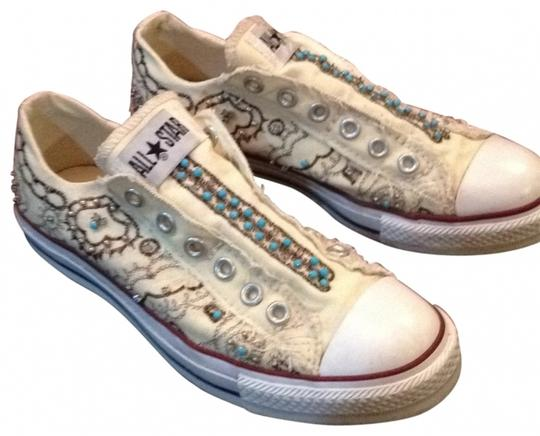 Preload https://img-static.tradesy.com/item/162074/converse-white-and-ivory-sneakers-size-us-8-regular-m-b-0-0-540-540.jpg