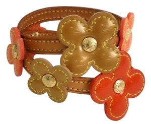 Louis Vuitton Authentic Louis Vuitton Vernis Leather Flower Double Wrap Bracelet