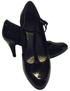 Kenneth Cole Reaction High Heel Sexy Elegant Patent Leather Black Pumps