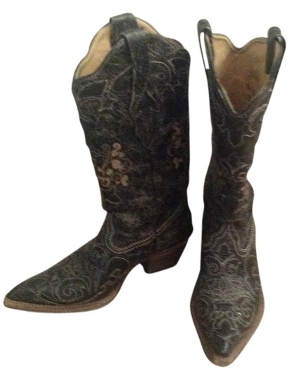 Preload https://item1.tradesy.com/images/corral-distressed-black-boots-1621250-0-0.jpg?width=440&height=440