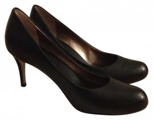 Banana Republic Leather Round-toe Padded black Pumps