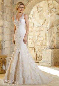 Mori Lee Ivory Venice and Alencon Lace 2786 Feminine Wedding Dress Size 8 (M)