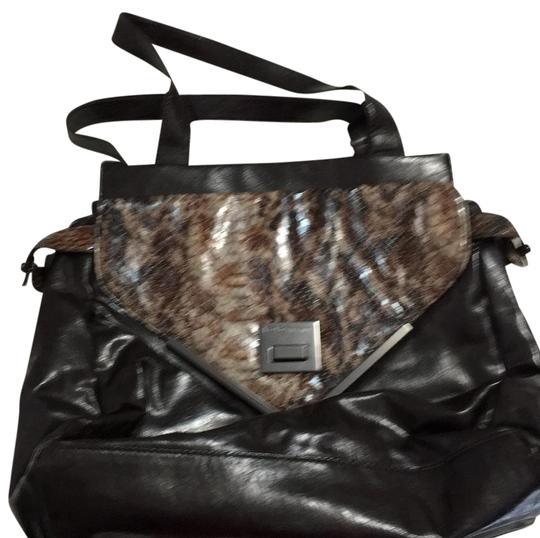 Preload https://img-static.tradesy.com/item/16217098/bcbgeneration-has-opened-pockets-inside-the-has-a-lot-of-space-inside-dark-brown-faux-patent-leather-0-1-540-540.jpg