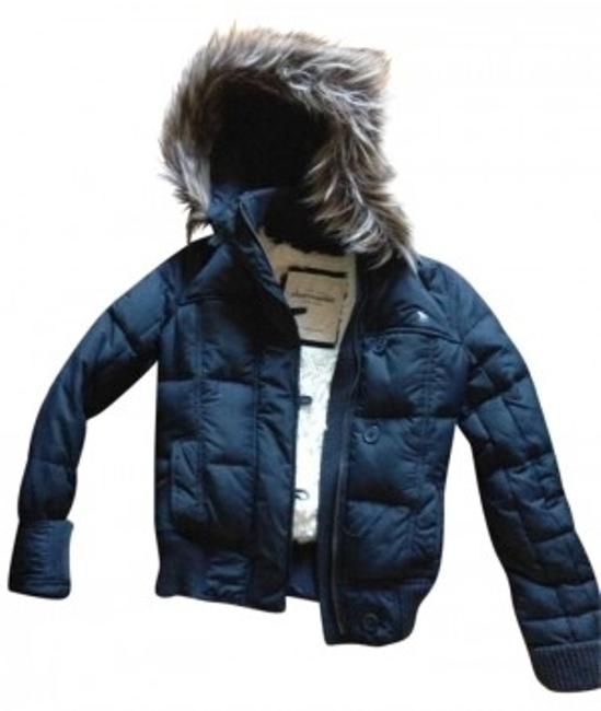 Preload https://img-static.tradesy.com/item/162202/abercrombie-and-fitch-navy-winter-jacket-puffyski-coat-size-12-l-0-0-650-650.jpg