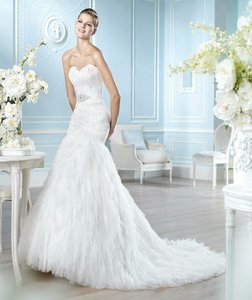 St. Patrick Hangg Wedding Dress