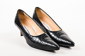 Manolo Blahnik Manolo Leather Alligator Embossed Pointed Toe Black Pumps
