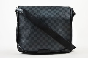 Louis Vuitton Damier Graphite Daniel Messenger Cross Body Bag
