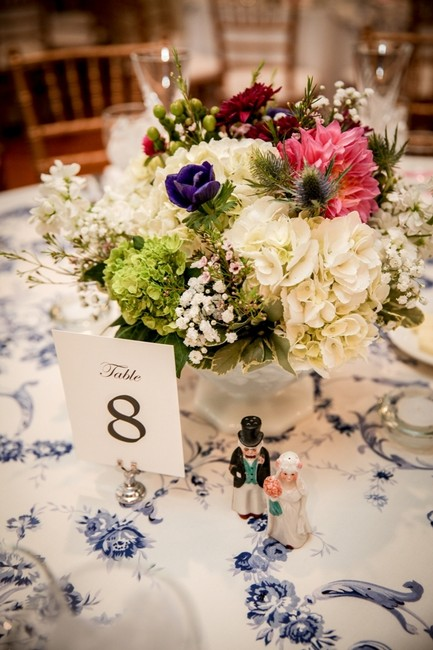 Item - Navy & White Floral Toile Tablecloth
