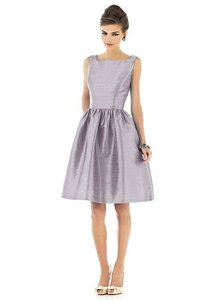 Alfred Sung Jubilee Dupioni D518 Traditional Bridesmaid/Mob Dress Size 8 (M)