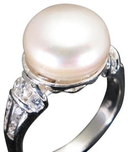Beautiful 13mm Cultured Freshwater Pearl and CZ Sterling Silver Ring 7