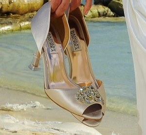 Badgley Mischka Nude Satin Jeweled Diamonds Crystals Pale Pink 3 Formal Size US 8.5