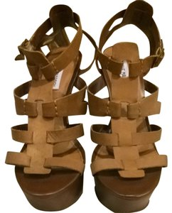 Steve Madden Light Brown Wedges