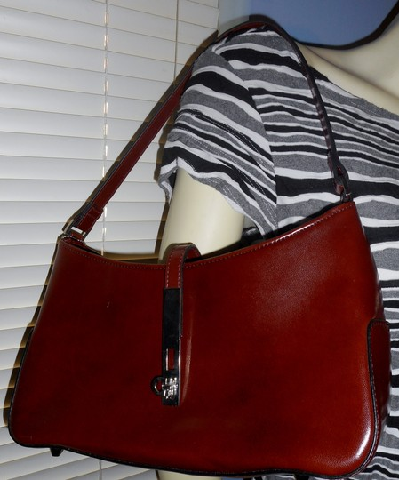 Other Leather Look Zip Closure Silver Metal Accent Baguette Image 1