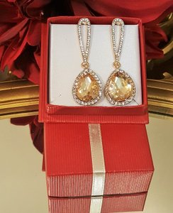 Gorgeous Gold Plated Champagne Tear Drop Earrings Pierced