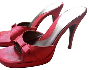 Guess By Marciano Satin Stilleto Bows Red Pumps