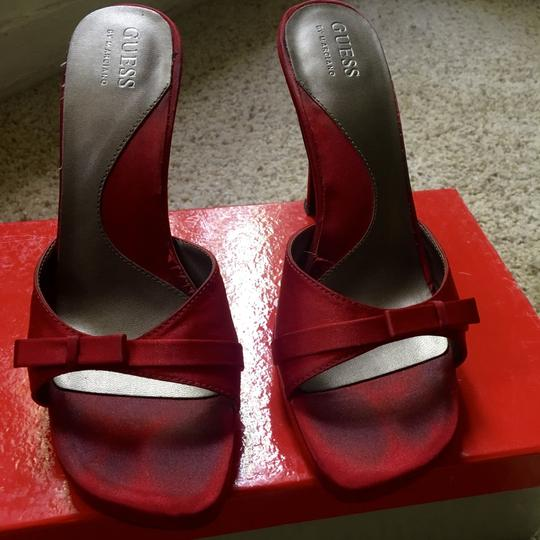 Guess By Marciano Satin Stilleto Bows Red Pumps Image 3