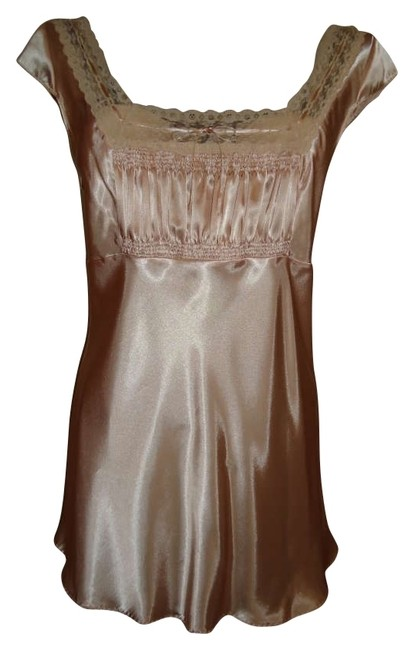 Preload https://img-static.tradesy.com/item/162369/victoria-s-secret-light-mochapeach-and-beige-lingerie-chemise-nightie-gown-nightgown-gown-silky-mini-0-0-650-650.jpg
