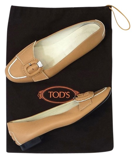 Preload https://item1.tradesy.com/images/tod-s-tan-leather-flats-1623960-0-0.jpg?width=440&height=440