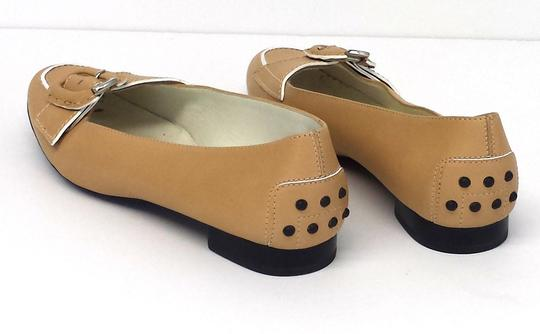 Tod's Tan Leather Flats