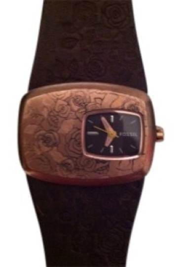 Preload https://item5.tradesy.com/images/fossil-brown-watch-16249-0-0.jpg?width=440&height=440