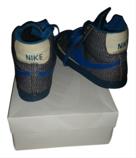 Preload https://item3.tradesy.com/images/nike-blue-and-charcoal-grey-athletic-1624967-0-0.jpg?width=440&height=440