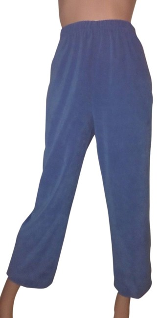 Preload https://item4.tradesy.com/images/susan-graver-french-blue-peachskin-capricropped-pants-size-6-s-28-1625063-0-0.jpg?width=400&height=650