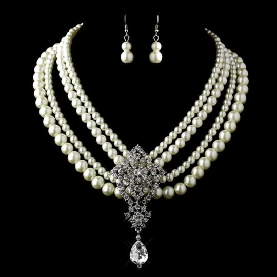 Preload https://item5.tradesy.com/images/elegance-by-carbonneau-ivorysilver-pearl-rhinestone-jewelry-set-162509-0-0.jpg?width=440&height=440