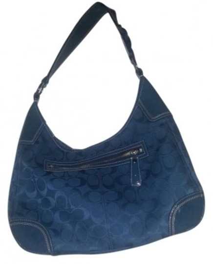 Preload https://item3.tradesy.com/images/coach-blue-signature-fabric-hobo-bag-162522-0-0.jpg?width=440&height=440